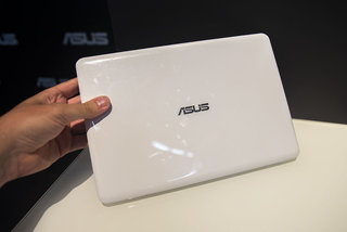 hands on asus eeebook x205 review image 2