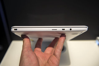 hands on asus eeebook x205 review image 4