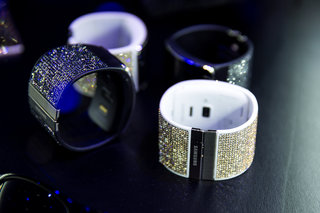 samsung gear s strap and blinged galaxy note 4 rear shells swarovski in the house image 2