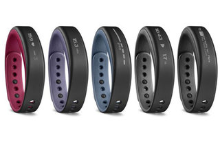 Garmin vivosmart tracks you and displays phone notifications
