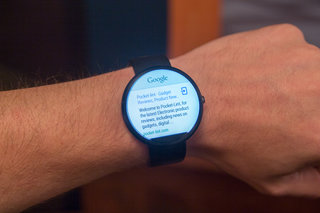moto 360 hands on the big round smartwatch image 7