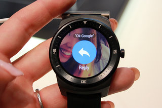 lg g watch r less toy more watch hands on  image 2