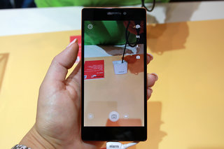 the lenovo vibe x2 smartphone combines beauty and brains hands on  image 13