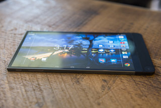 hands on dell venue 8 7000 review world s thinnest tablet shows off 6mm chassis 2k screen and camera smarts image 2