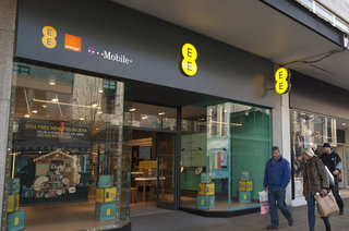 EE agrees deal to buy 58 Phones 4u stores, saves further 359 jobs