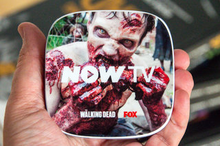 braaiiinnsss hands on with the walking dead special edition now tv box and brain food popcorn bowl image 3