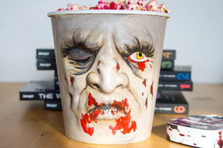 braaiiinnsss hands on with the walking dead special edition now tv box and brain food popcorn bowl image 8