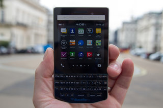 porsche design p 9983 the 1400 blackberry for power professionals hands on  image 8