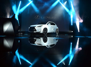 will i am s lexus nx f sport shoots panoramic pics while out driving sends them to smartphones image 2