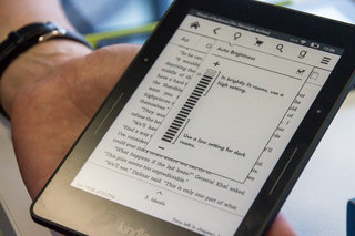 amazon kindle voyage redefines the premium ebook reader experience we go hands on image 7