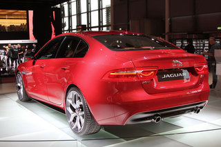jaguar xe exciting enough to challenge bmw hands on  image 9