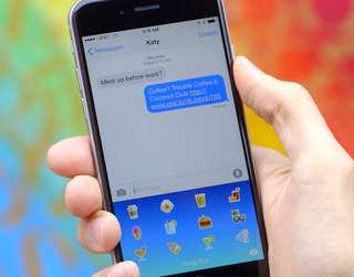 Goji is an iOS 8 emoji keyboard with expert suggestions on where to go