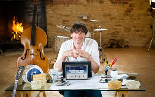 Music sounds better with... Alex James