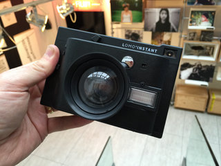 lomography lomo instant hands on instant film camera gets retro makeover image 5
