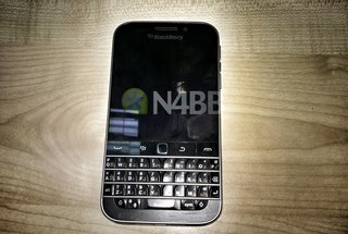 BlackBerry Classic detailed in leaked spec sheet and photos, coming this year