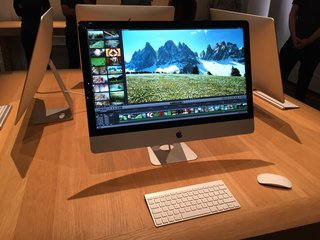 close up with the 5k imac and boy is it crisp image 3