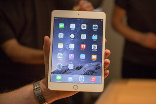 Apple iPad mini 3 adds Touch ID, but makes the old model more appealing (hands-on)