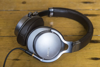sony mdr 1a review image 2