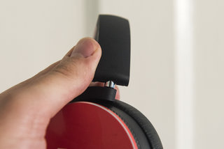 akg y50 on ear headphones review image 10