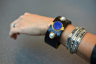 Intel MICA is a fashionable smart cuff just for women, launches in US for $495