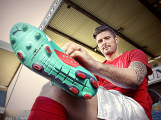 Sony partners with Arsenal striker Olivier Giroud for 4K, but all is not well in the FIFA camp