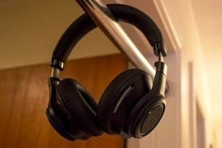 plantronics backbeat pro review image 2