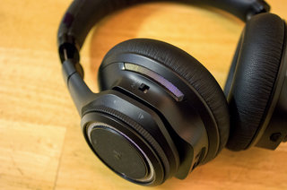 plantronics backbeat pro review image 3