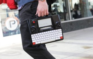 Hemingwrite typewriter comes with an e-paper display and cloud-saves in real time