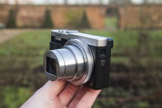 hands on panasonic lumix tz70 review viewfinder upgrade for 30x travel zoom image 5