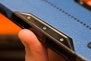 tonino lamborghini 88 tauri hands on with the 6 000 stainless steel and leather smartphone image 20