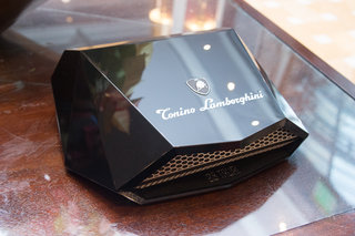 tonino lamborghini 88 tauri hands on with the 6 000 stainless steel and leather smartphone image 3