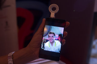 What the world needs now is a selfie flash, and Lenovo made one (hands-on)