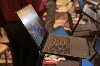 Lenovo ThinkPad X1 Carbon ultrabook pictures and hands-on