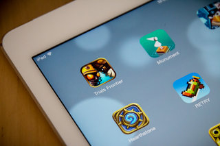 Apple kicks off the new year with crazy App Store records, says sales spiked last year too