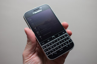 blackberry classic review image 2