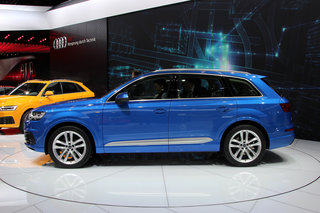 audi q7 awesome tech meets awkward design hands on  image 5