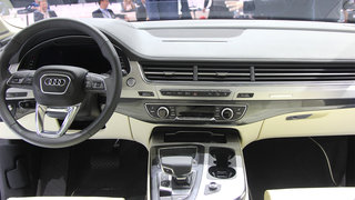 audi q7 awesome tech meets awkward design hands on  image 8