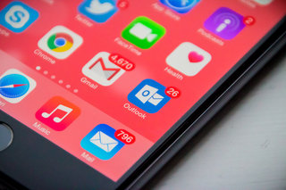 5 reasons why you should ditch Apple Mail and go with Outlook for iPhone instead
