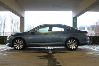 volkswagen passat 2015 first drive shedding its dull image image 14
