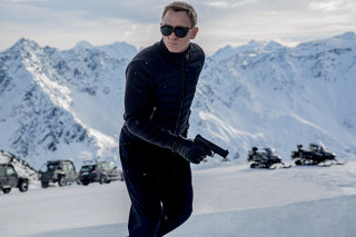 New Spectre footage teases epic James Bond car chase