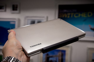 could the toshiba satellite click mini be the best budget 2 in 1 for travellers  image 18