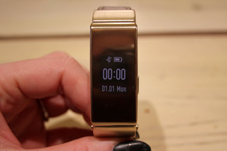 Huawei TalkBand B2 hands-on: Adding a touch of premium to activity tracking
