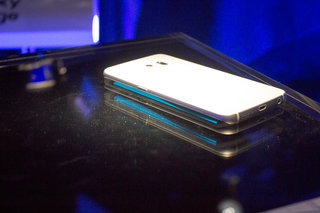 Samsung Galaxy S6 edge: What can that screen edge actually do?
