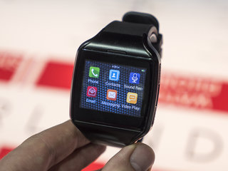 Forget Android Wear, MyKronoz ZePhone is a full Android smartwatch (hands-on)