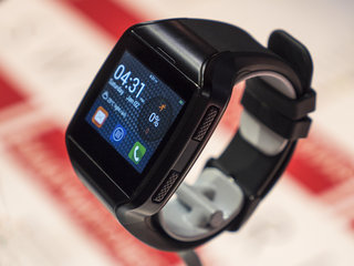 forget android wear mykronoz zephone is a full android smartwatch hands on  image 7