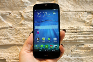 Acer Liquid Jade Z hands-on: Slim, slender and textured