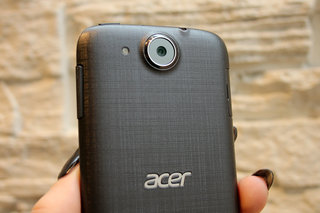 acer liquid jade z hands on slim slender and textured image 5