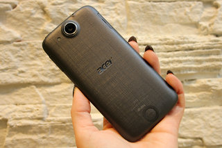 acer liquid jade z hands on slim slender and textured image 9