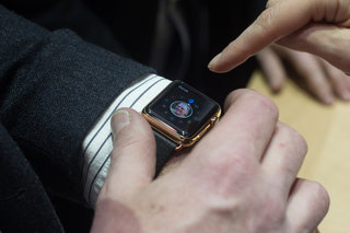 apple watch edition gold hands on what to expect from apple s 8 000 smartwatch image 7