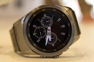 a closer look at lg wearable platform image 21